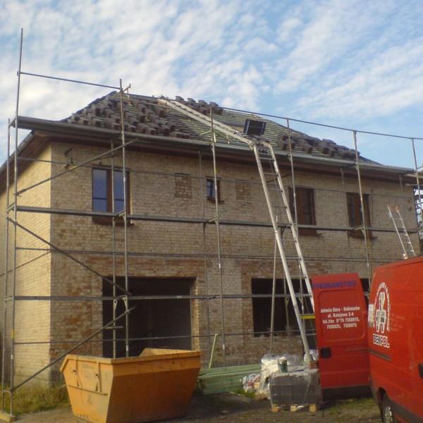 Remont-dachu-na-budynku-przy-ul-Wiejskiej-1