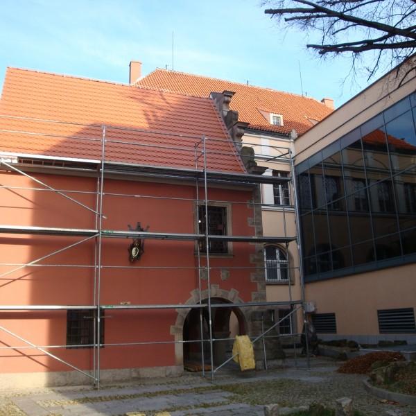 Remont-dachu-budynku-Muzeum-Karkoskiego-2