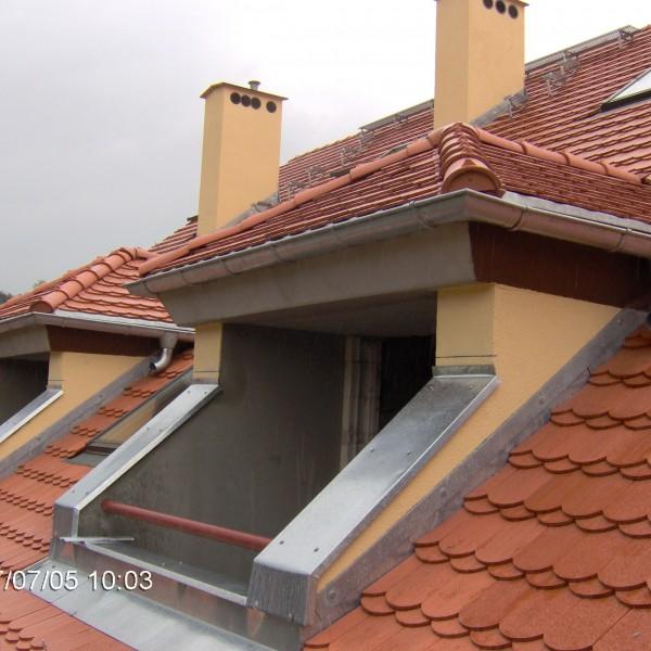 Remont-dachu-budynku-na-Osiedlu-Sudeckim-10