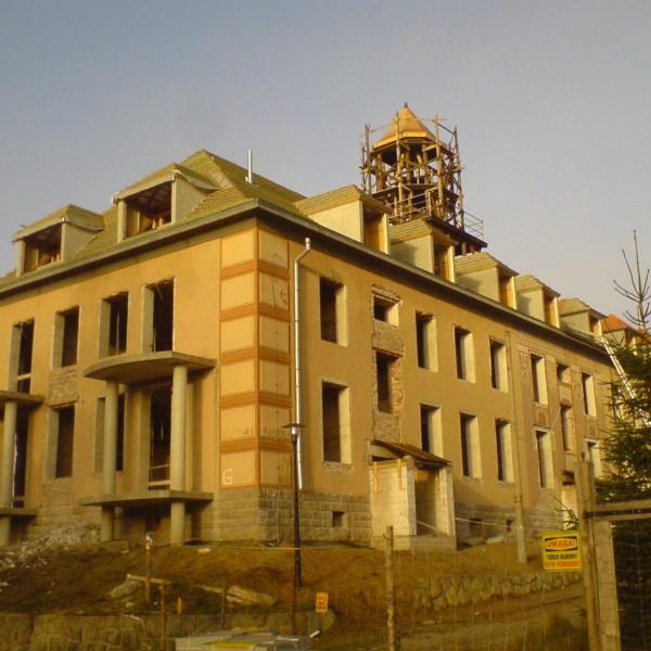 Remont-dachu-budynku-na-Osiedlu-Sudeckim-6