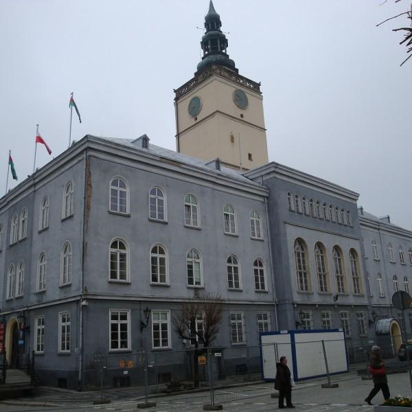 Remont-dachu-budynku-ratusza-w-Dzieroniowie-1