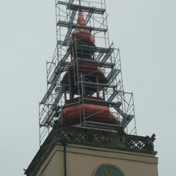 Remont-dachu-budynku-ratusza-w-Dzieroniowie-3