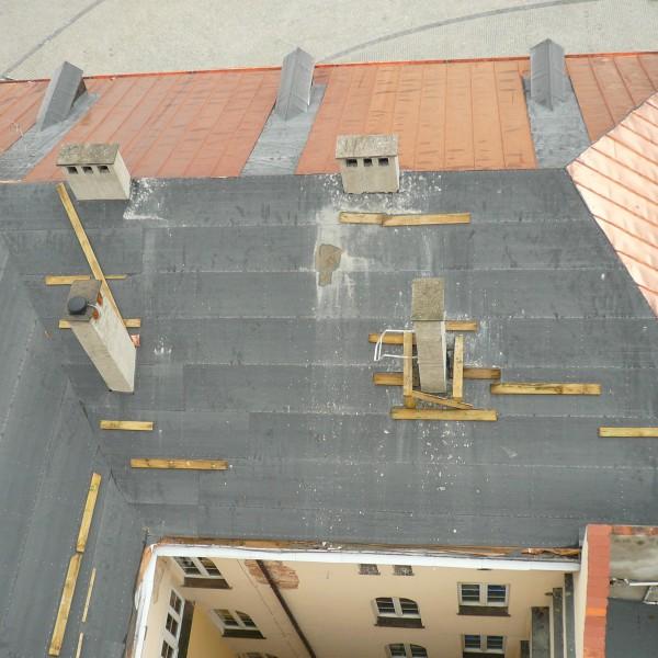 Remont-dachu-budynku-ratusza-w-Dzieroniowie-4