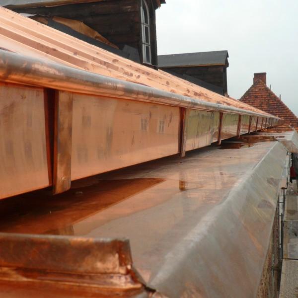 Remont-dachu-budynku-ratusza-w-Dzieroniowie-5