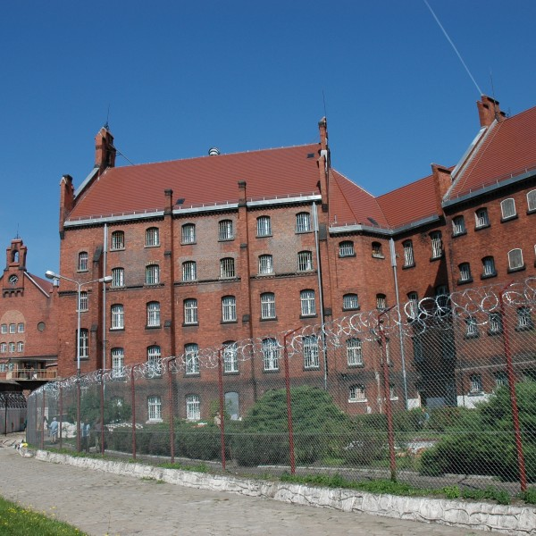 Remont-dachu-budynku-Wizienia-przy-ul-Kleczkowskiej-1